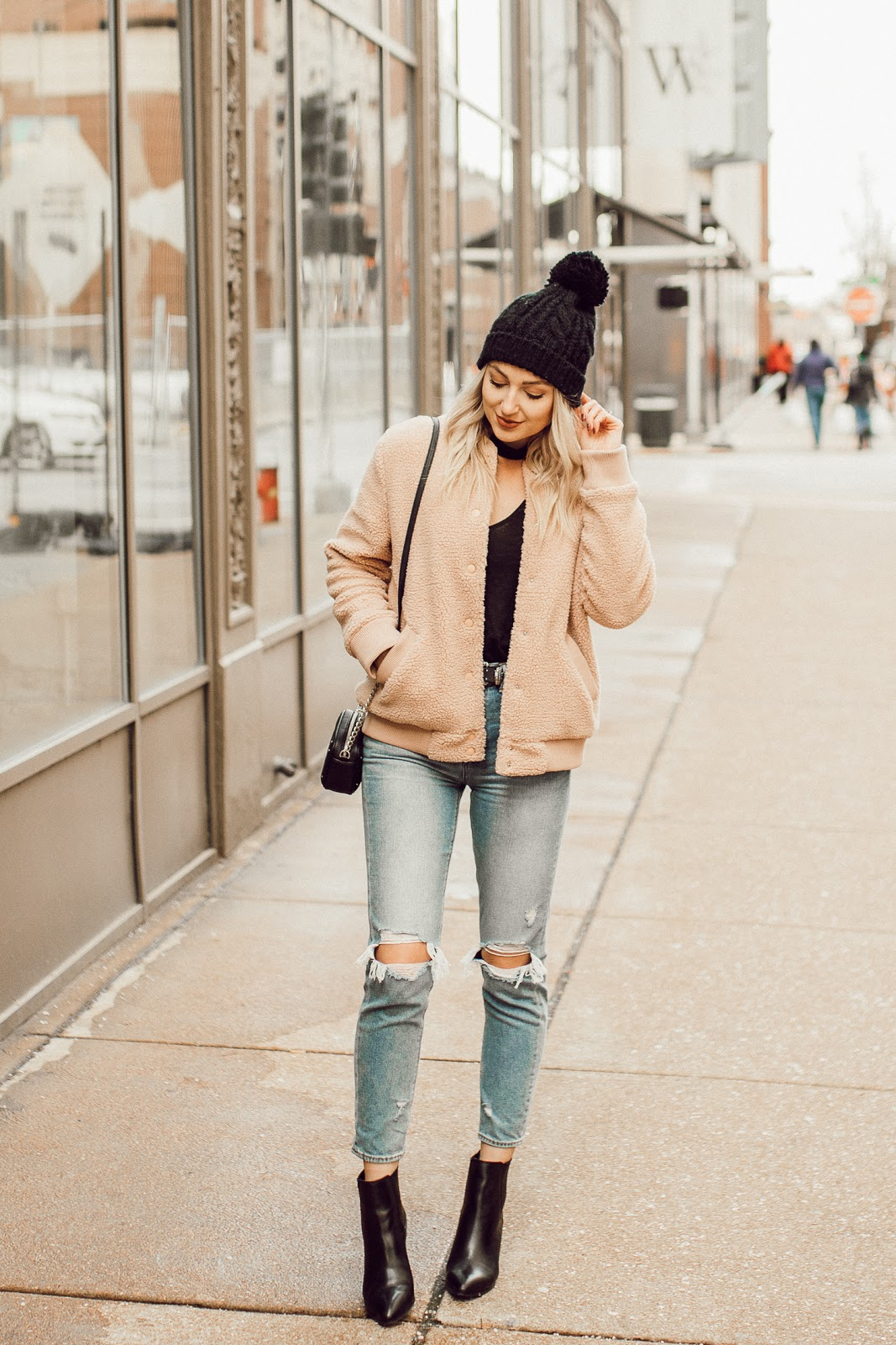 sherpa jacket, mom jeans, beanie