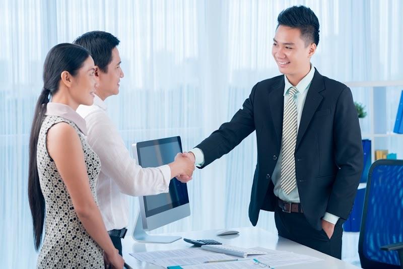 Sikap Penting Yang Harus Anda Cari Dari Seorang Broker