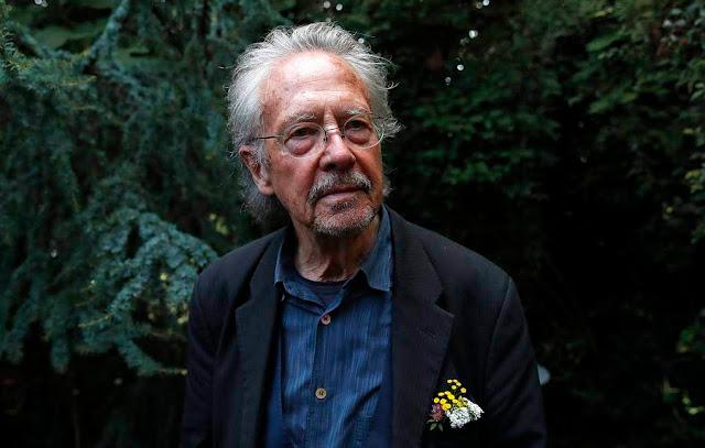 Turquía condena al Premio Nobel Peter Khandke