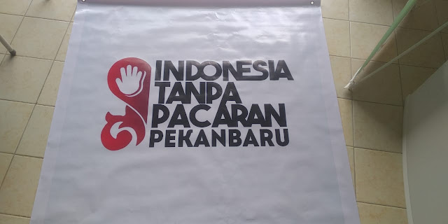 Spanduk Indonesia Tanpa Pacaran