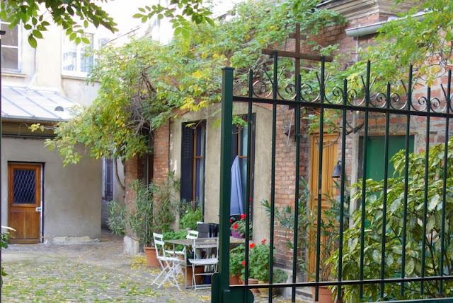 """Résultat de recherche d'images pour """"la plus petite eglise orthodoxe de paris"""""""