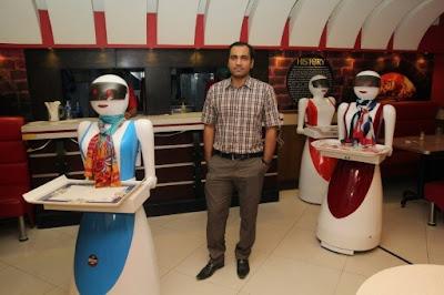 Pakistan Robot Waitresses