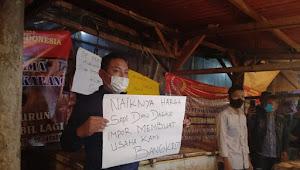 Pedagang Daging di Pasar Cikarang Mogok Dagang