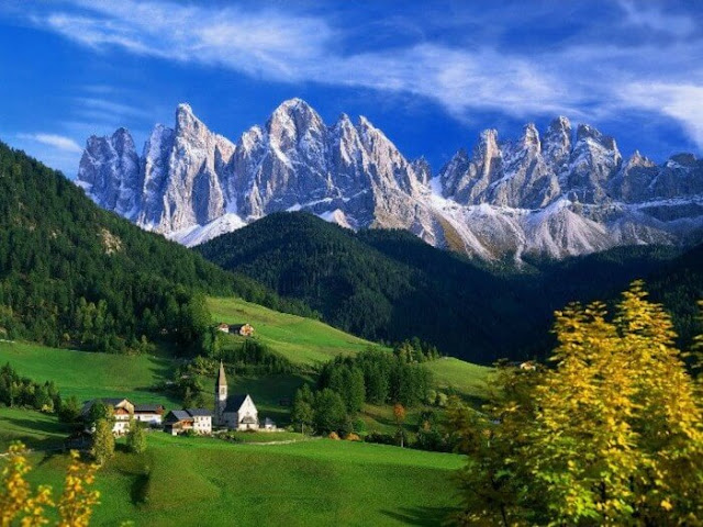بلدة فيونز شمال شرق إيطاليا