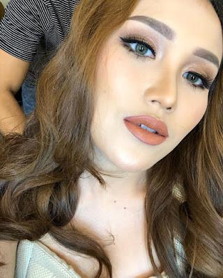 Ayu Ting Ting Dengan Style Yang Seksi Dan Hot Rambut Panjang Bikin Cantik Slalu