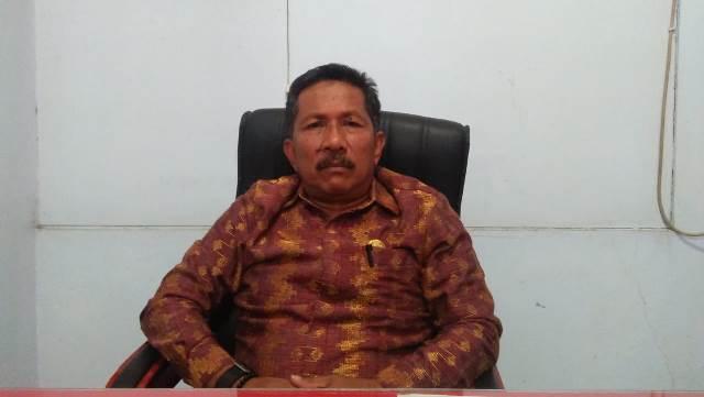 Sekretaris DPRD, Drs Ishaka