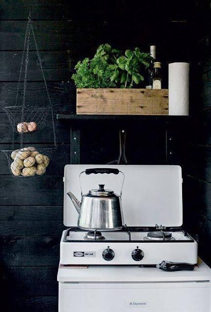 Wie man flott eine alte Küche aufwertet - Design im Handumdrehen für eine alte Kücheneinrichtung