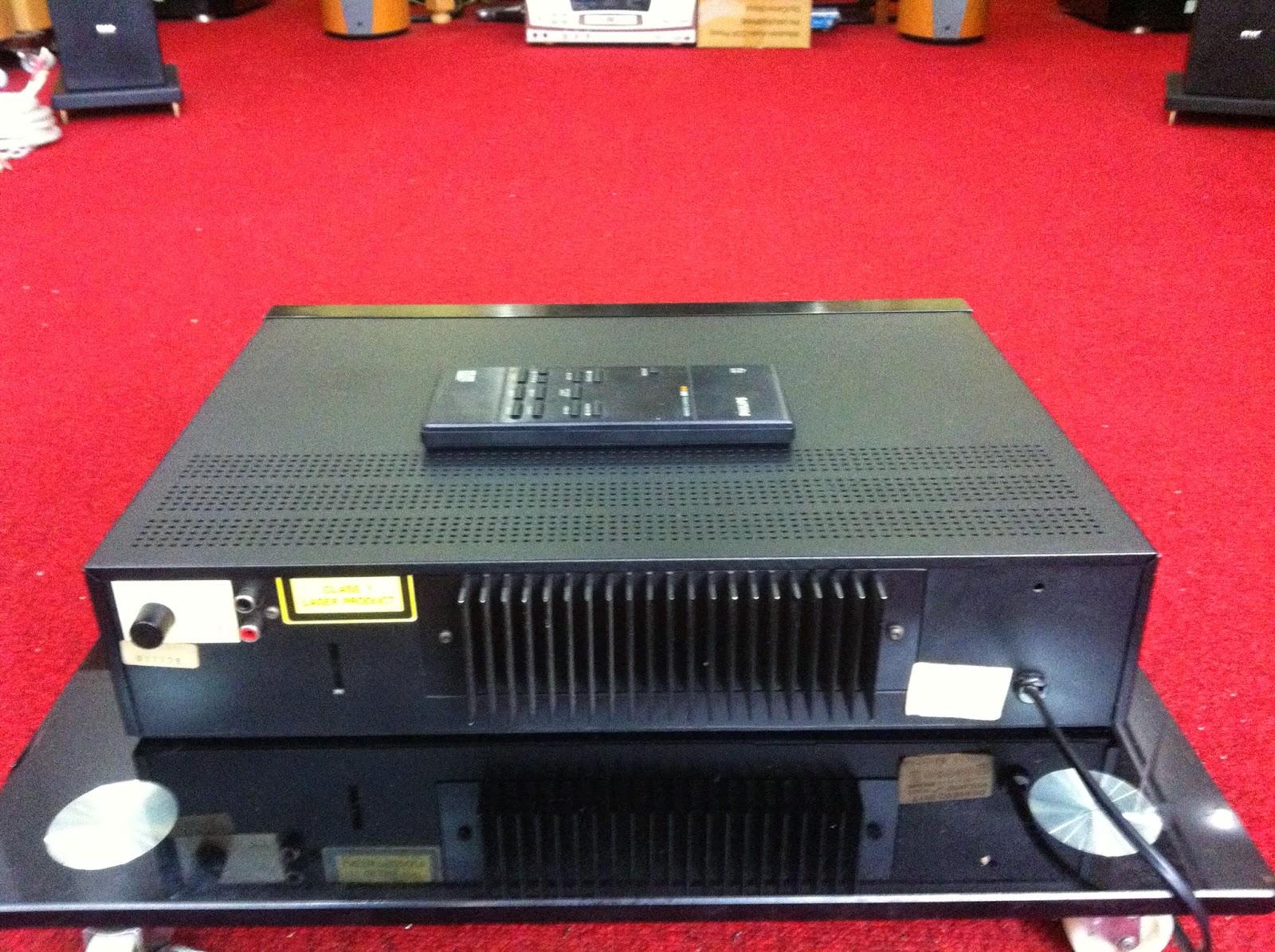 Mặt sau đầu trước CD-304 Philips