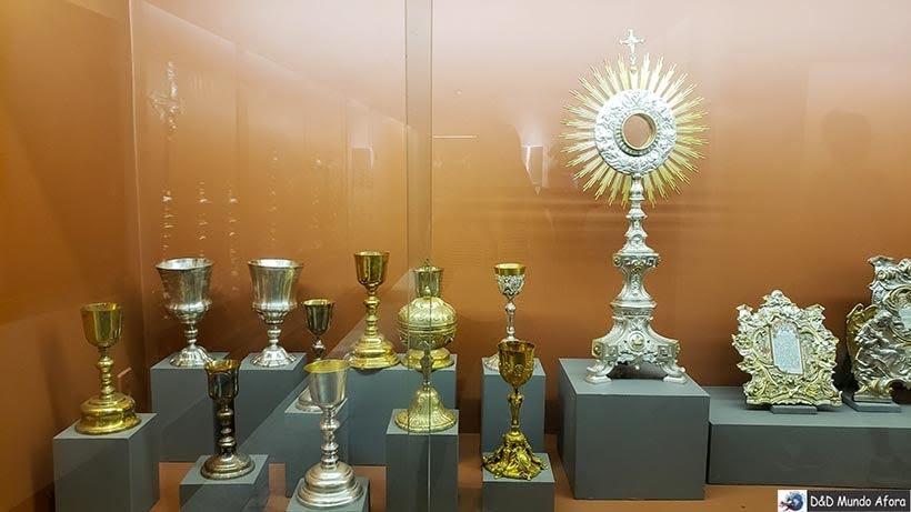 Museu de Artes Sacras - Passeio de jardineira em Ouro Preto