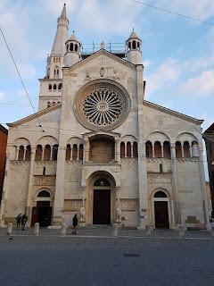 The facade of Modena's Duomo, in the city's central Piazza Grande