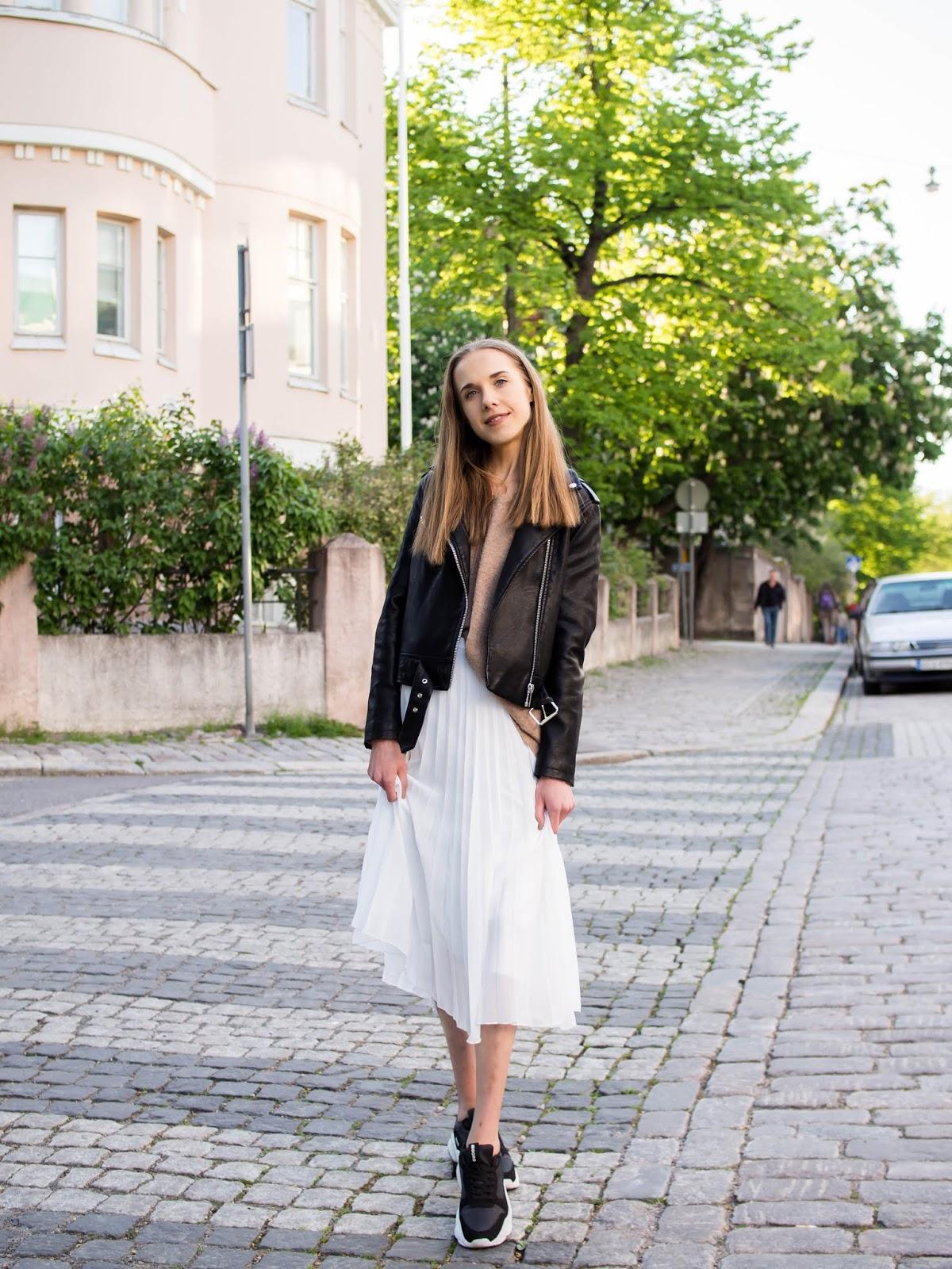 Outfit with white pleated midi skirt - Asu valkoisen midihameen kanssa