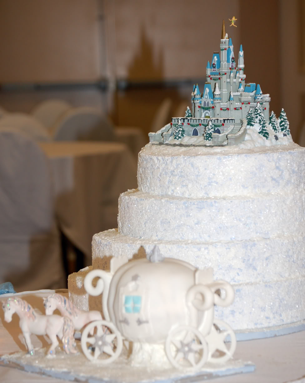 Train Themed Wedding Cakes