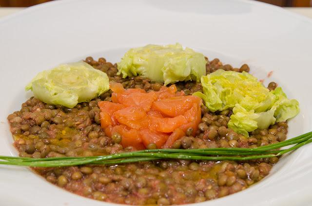 ensalada-salmon-lentejas-baja-calorias-receta-cocina-sana-ligera-saludable-dieta-adelgazar-bruja
