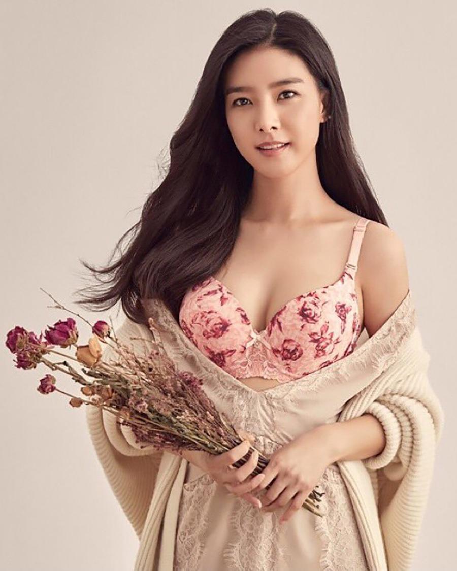 cewek manis dan seksi imtu Kim So-eun