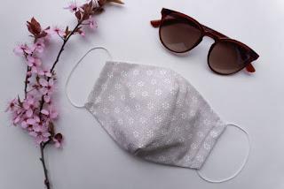 5 Tips Agar Kacamata Tak Berembun saat Pakai Masker