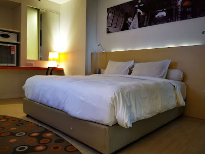 Kasur dan bantal empuk di hotel Harris Pontianak