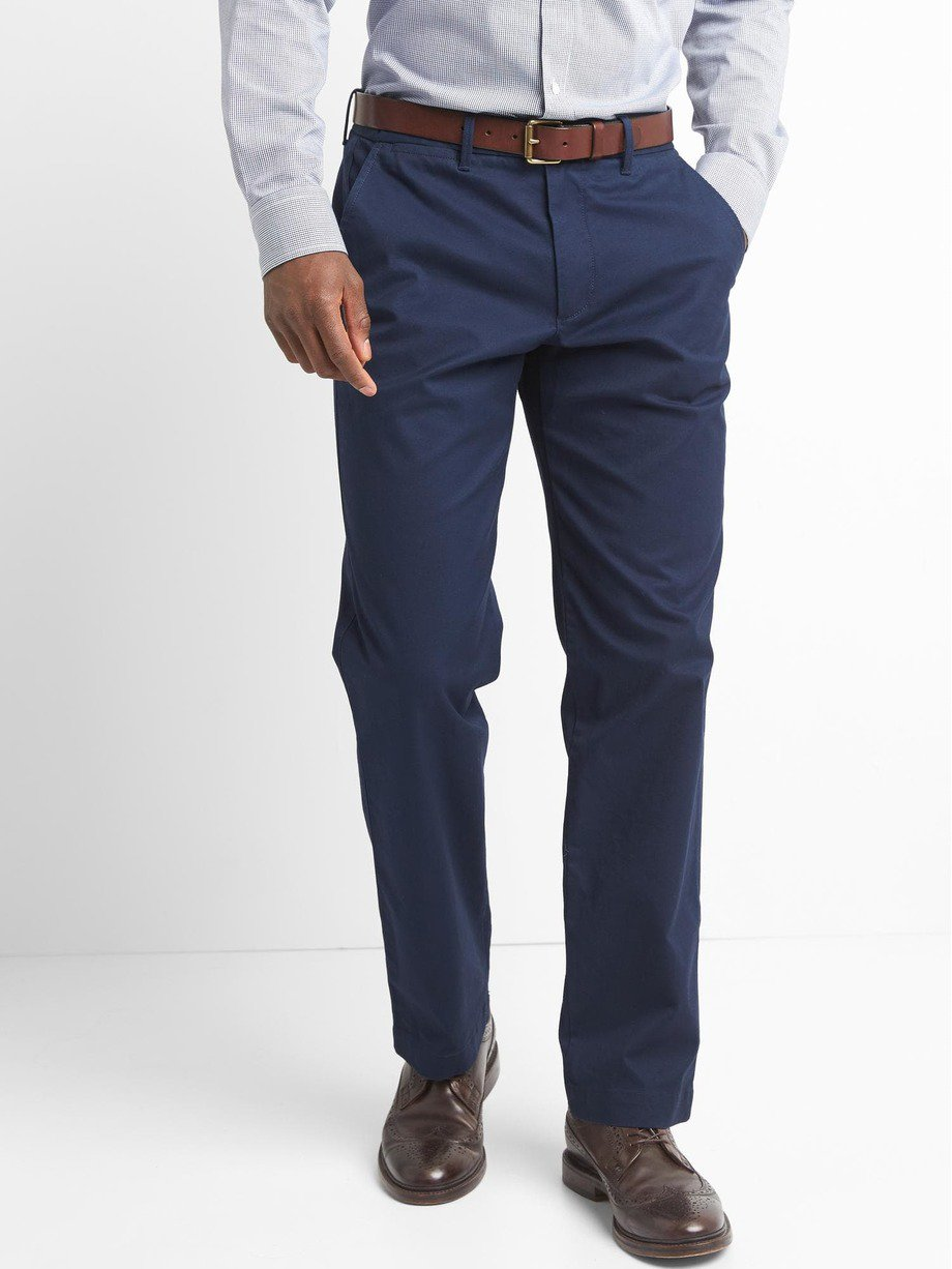 Original Khakis in Straight Fit with GapFlex