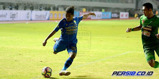Billy Keraf Siap Main Penuh untuk Persib Bandung