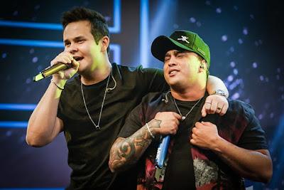 Matheus e Kauan apresentam novo DVD na tela da Band. Crédito: Divulgação/Facebook Oficial