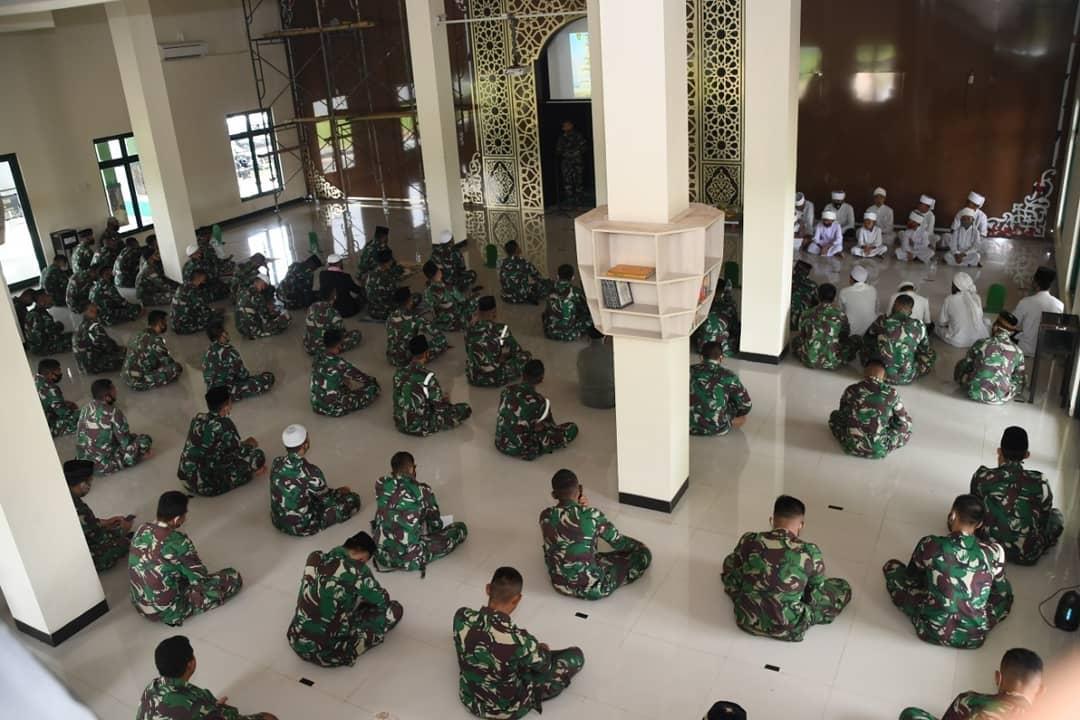 Divif 3 Kostrad Peringati Maulid Nabi Muhammad SAW di Gowa