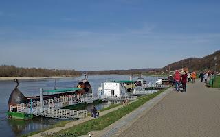 http://fotobabij.blogspot.com/2016/04/kazimierz-dolny-przystan-bulwar-zdjecie.html