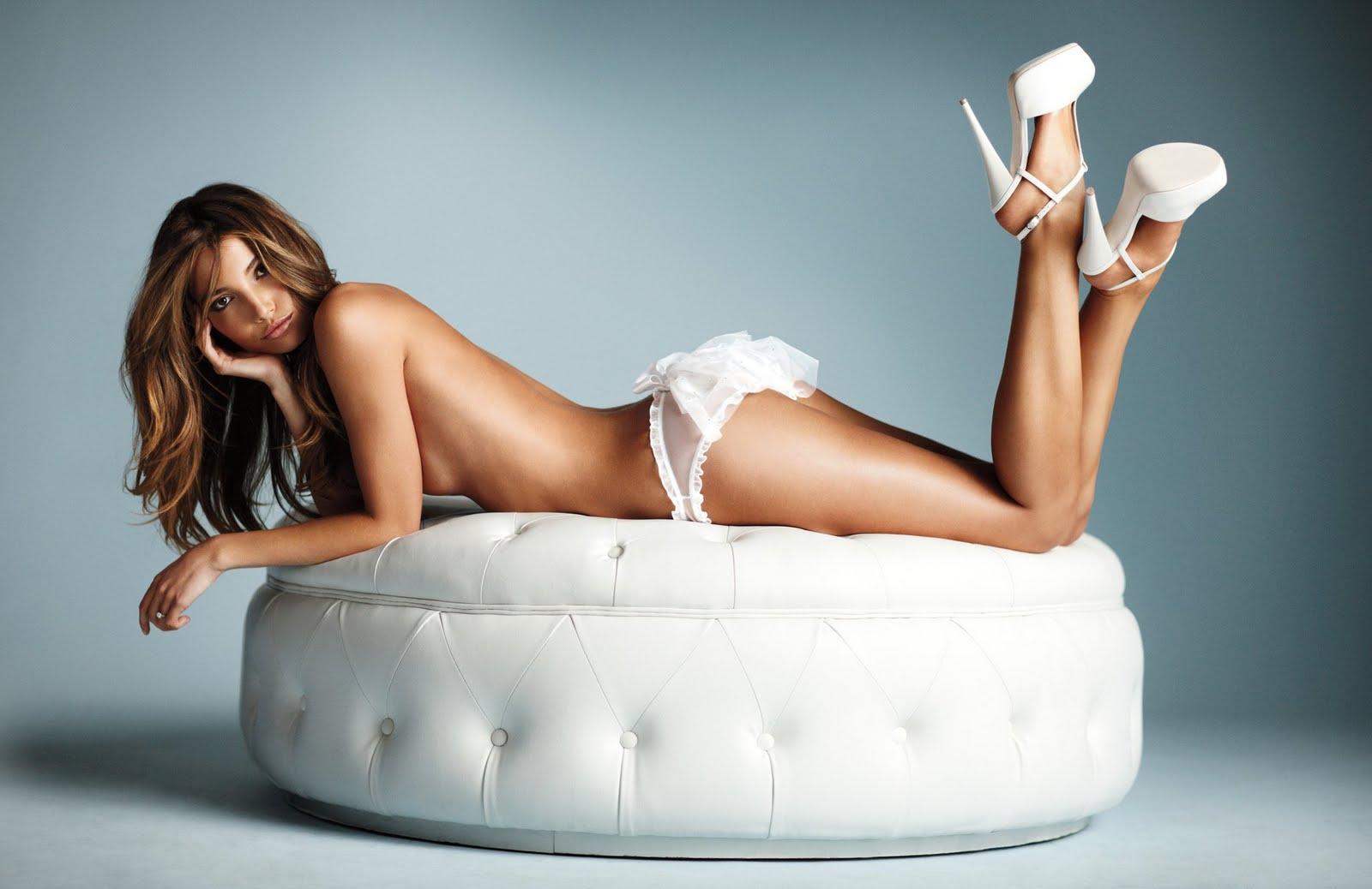 10f29febdf Lily Aldridge (new VS bridal and angel wings collection 2011) HQ ...