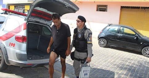 Homem é preso em Delmiro Gouveia após roubar celular no centro da cidade