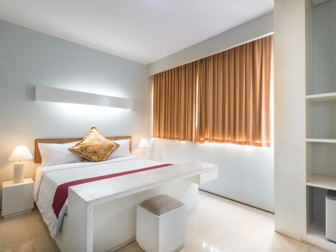 A Residence Kuta Bali 12