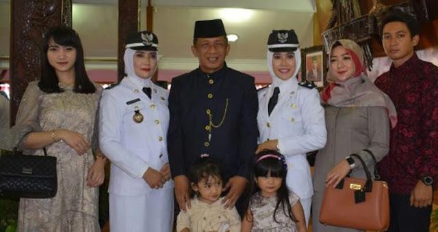 2 Istrinya Dilantik Jadi Kades, Wakil Bupati Blitar dari PDIP ini Sangat Berbahagia
