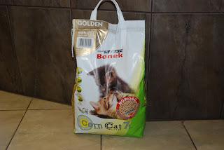 kukurydziany żwirek dla kotów benek