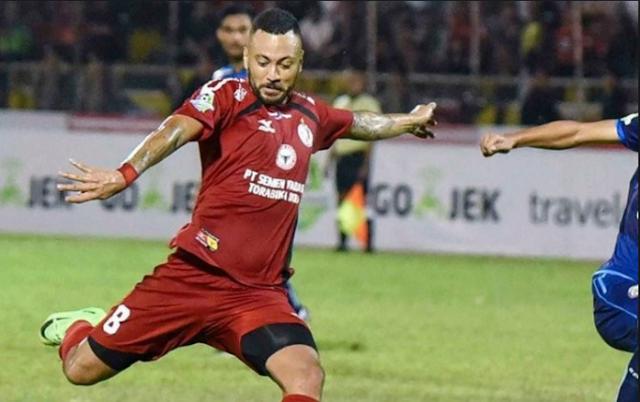 Semen Padang vs Borneo FC