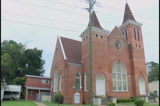 """Clădirea biserii """"First African Baptist Church in Bainbridge, Georgia"""" - imagine preluată de pe http://www.kctv5.com/"""