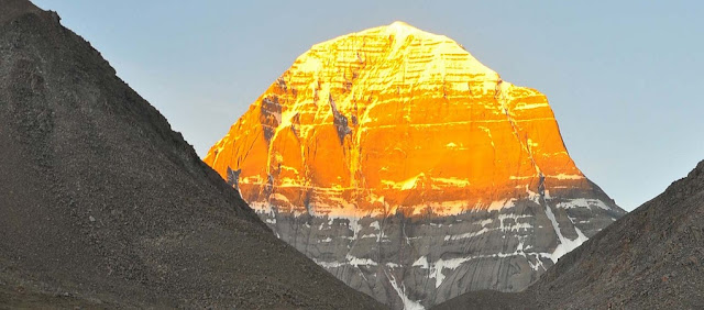 Mountains : Mount Kailash
