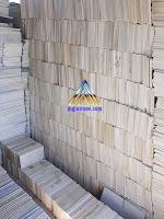 Batu alam paras jogja atau batu putih untuk tempel pada dinding rumah, pagar rumah dan juga pada dinding taman