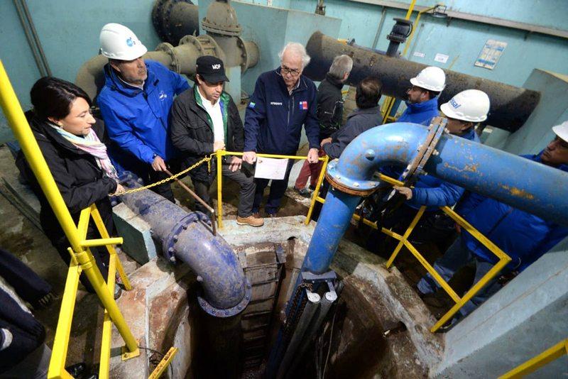 Con 350 toneladas de arena y gravilla reemplazarán los filtros contaminados