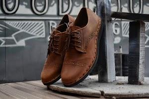 Pesona Sepatu Pria Asli Indonesia yang Membuana