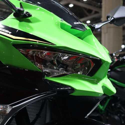 Tampilan Ninja 250cc Empat Silinder Versi Telanjang, Kok Malah Kurang Sangar?