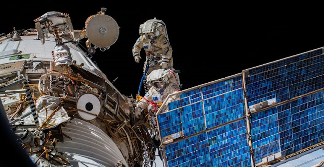 russian spacewalk runs into overtime during icarus experiment installation