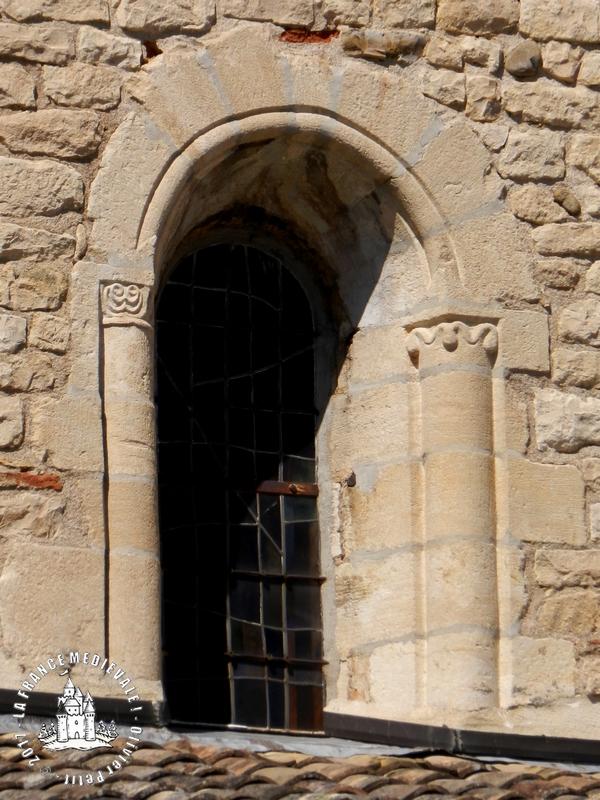 La france medievale belleville 69 eglise notre dame for Eglise romane exterieur