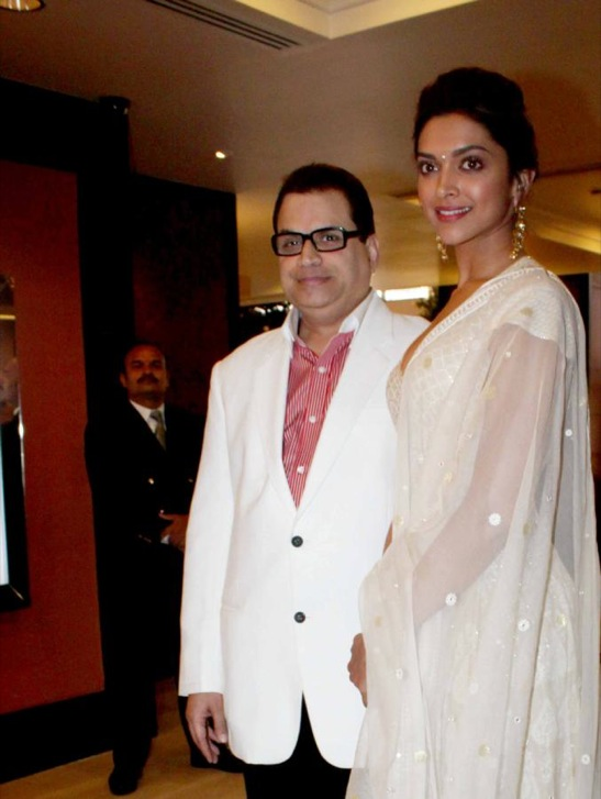 Bollywood Actress Deepika Padukone Hot At Awards Function In White Dress