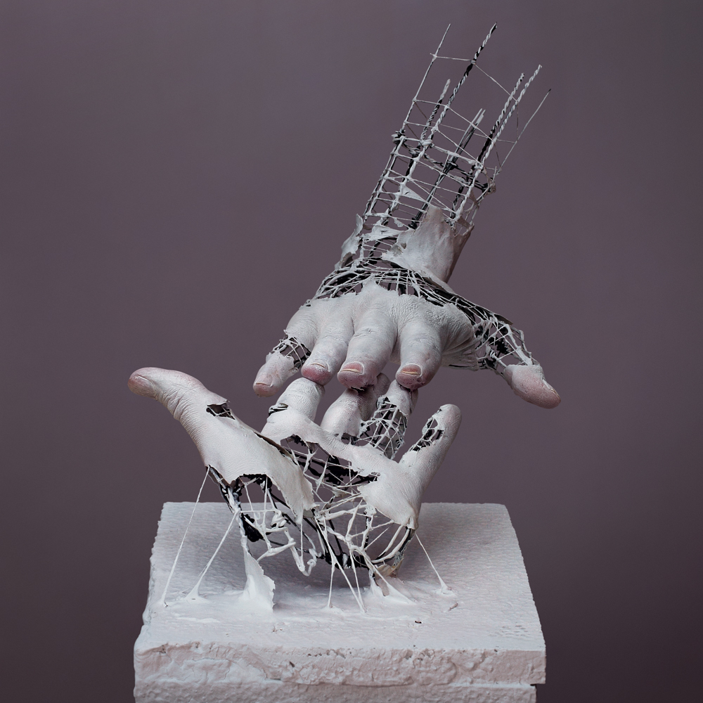 02-Yuichi-Ikehata-Kakuunohito-Surreal-and-Realistic-Physical-Fragment-Sculptures-www-designstack-co