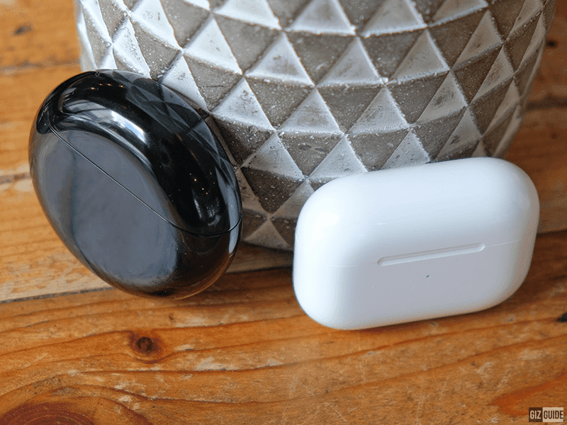 Charging cases extends the battery life of each earphone