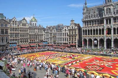 Grand Place tempat wisata terkenal di Brussels Belgia