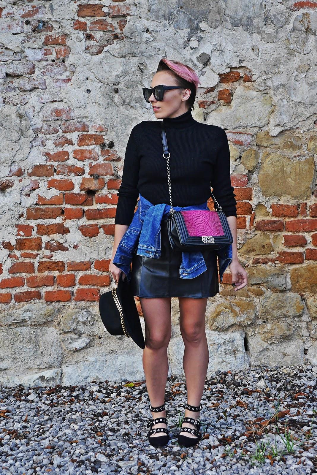 6_czarna_spodnica_skora_baleriny_reserved_torebka_chanel_karyn_blog_210817
