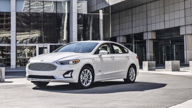 Ford Mondeo Won't Be Discontinued Anytime Soon, Facelift Incoming