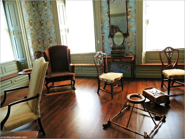 Andador en el Dormitorio de Sally en la Mansión de John Brown en Providence, Rhode Island