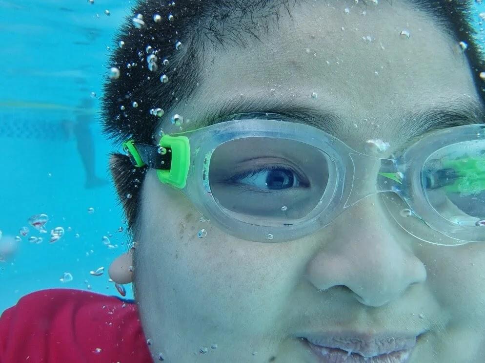 Samsung Galaxy S21+ Camera Sample - Underwater Selfie