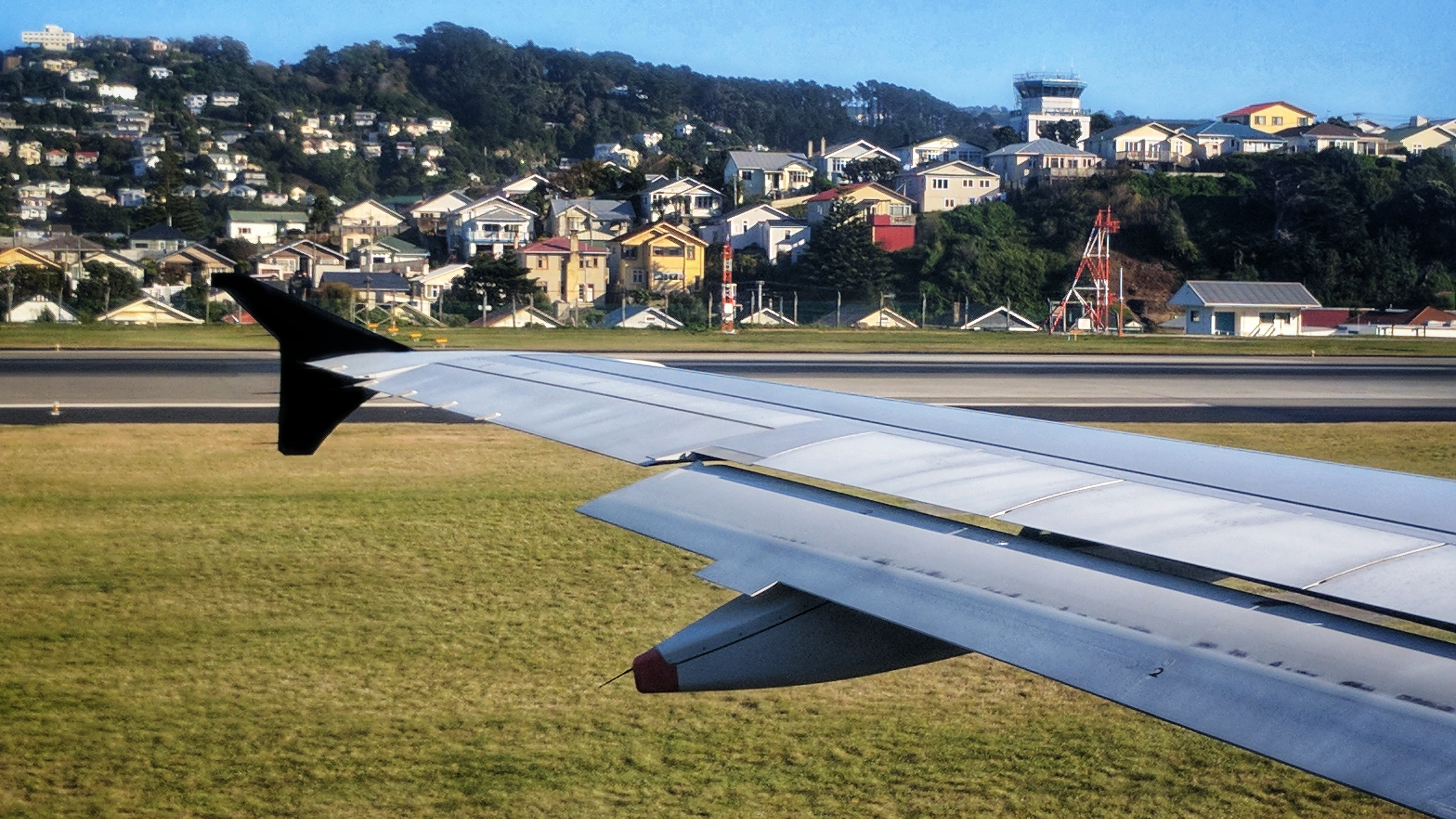 Wingtip and the Miramar hills before takeoff