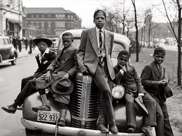Algumas crianças dos badass em Chicago. (1941)