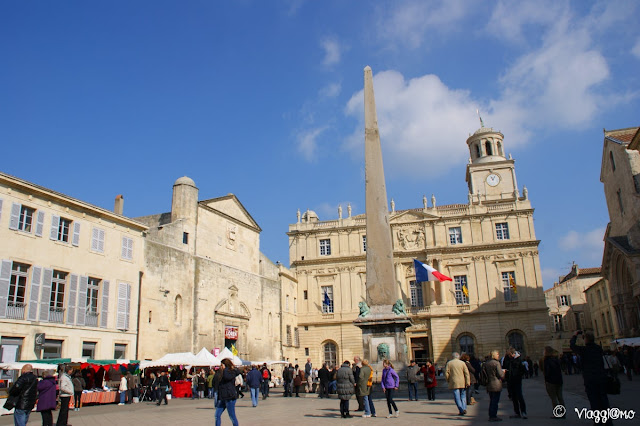 La piazza della Repubblica di Arles è il cuore pulsante della città